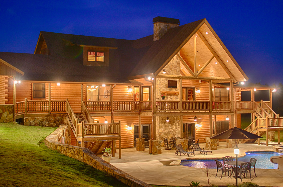 Log cabin stain colors - What Are The Benefits Of Using A Top Quality Finish On A Log Home